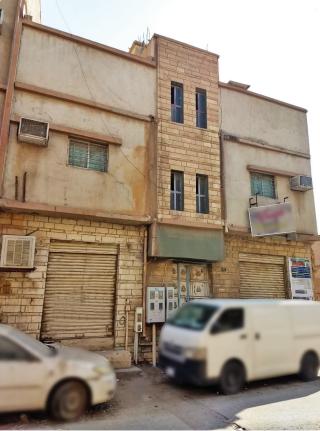 عقار في حي العود